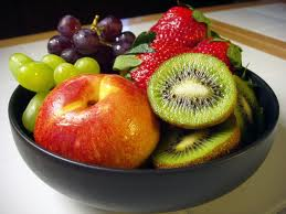 bowl of fruit - lose centimeters off your stomach